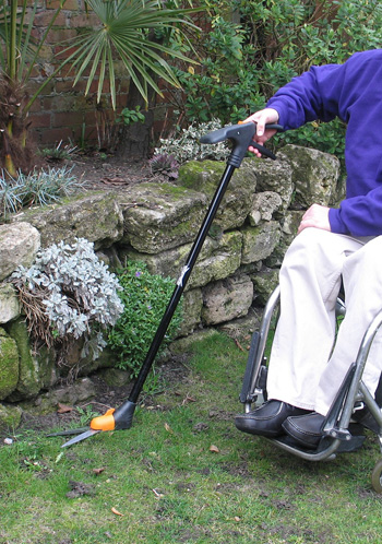 One handed lawn shears fiskars long reach from edging for Gardening tools for disabled